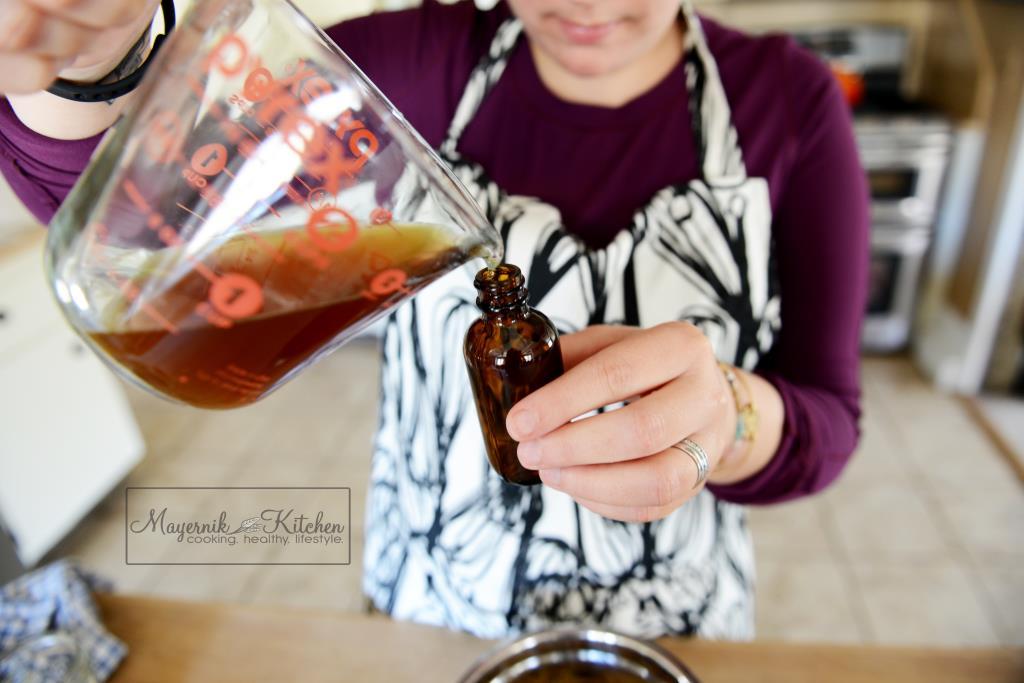 How to make a herbal tincture - Mayernik Kitchen